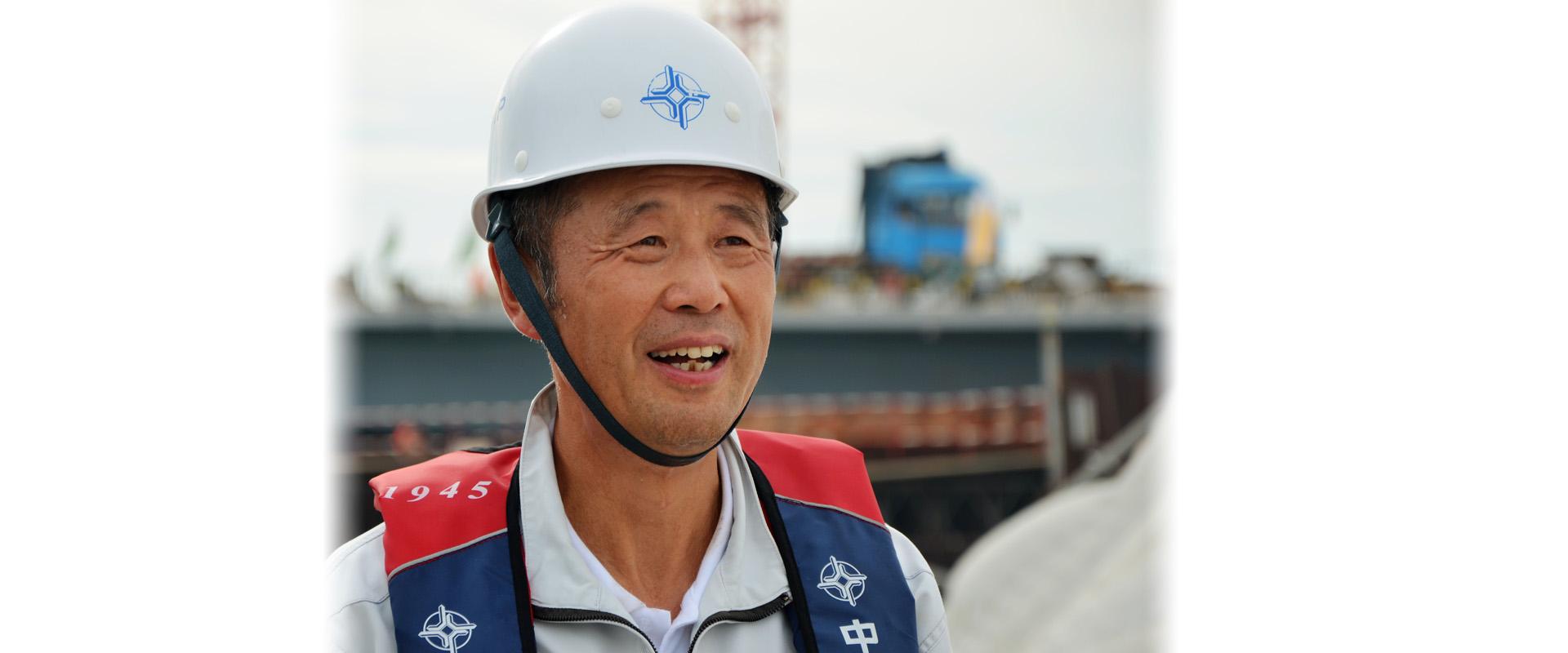 2010年12月底,担任港珠澳大桥岛隧工程项目总经理.图片